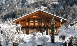 Traditional 6 Bedroom Chalet 15 Minutes from Chamonix