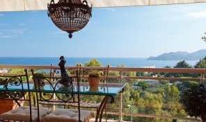 Beautiful Two Bedroom Luxury Top Floor Apartment, Cannes
