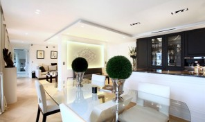 Luxurious Pied a Terre Apartment, 1st Arrondissement Paris