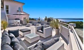Elegant Penthouse Apartment with Stunning View in Cannes