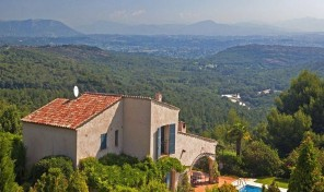 Stunning Villa set in an Elevated Position with Countryside Views, Valbonne