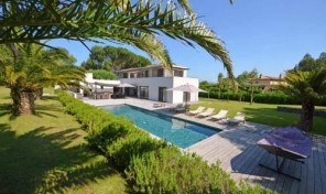 Contemporary Designed Luxury Villa Near Saint Tropez