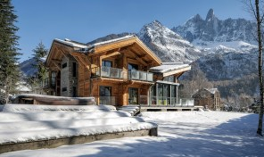 Exceptional Contemporary Chalet in Le Praz, Chamonix