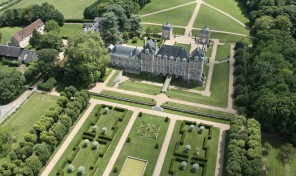 Remarkable 17th Century Château South West of Paris