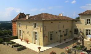 Magnificently Renovated House With Impressive Views & Pool, Lot-et-Garonne