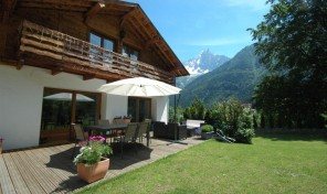 Attractive 4 Bedroom Chalet in Les Nants Area of Chamonix